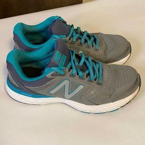 New Balance 560v7 size 9